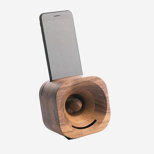Akustický zesilovač - Dřevěný reproduktor Trobla - ořechové dřevo - pro smartphone